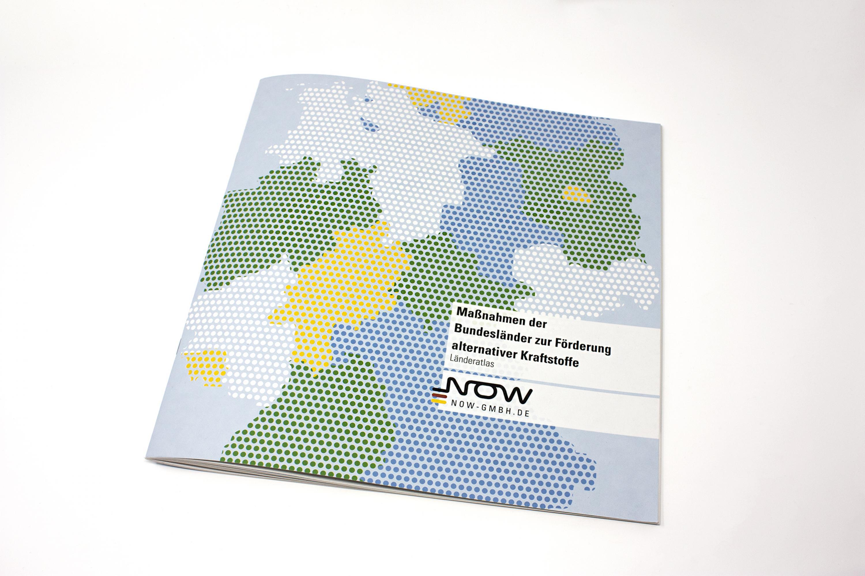 NOW-Laenderatlas-Broschuere-Design-Print-FORMLOS-Berlin-01