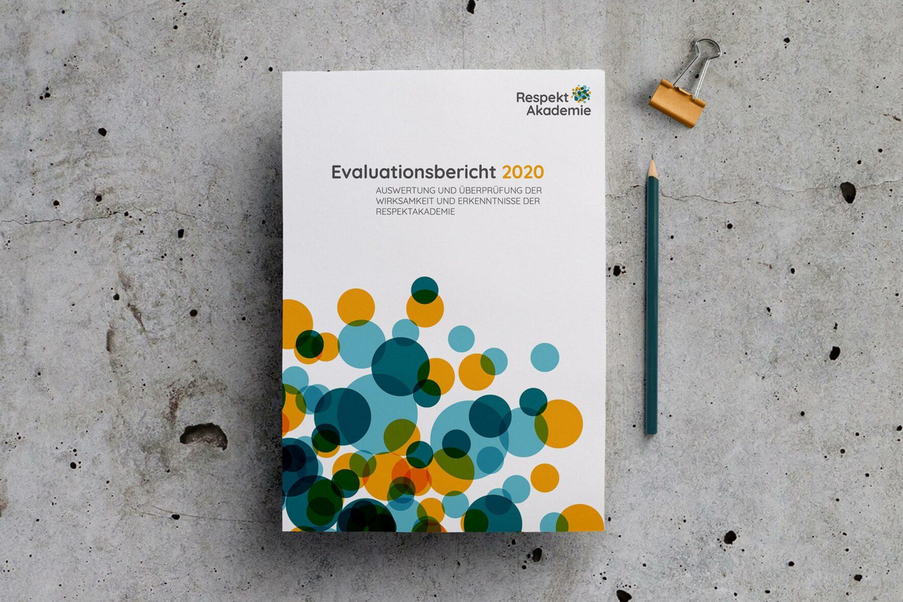 RespektAkademie-Corporate-Design-Vorlage-Bericht-Broschuere-Print-FORMLOS-Berlin-1