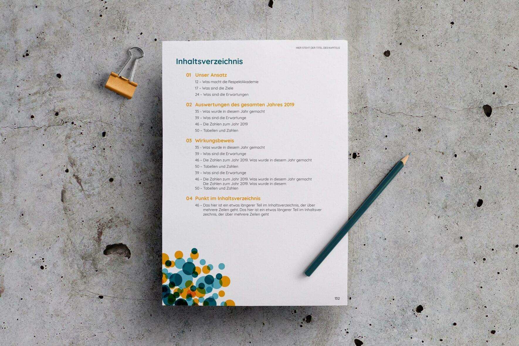 RespektAkademie-Corporate-Design-Vorlage-Bericht-Broschuere-Print-FORMLOS-Berlin-2